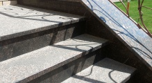 Накрывные плиты для подпорных стенок